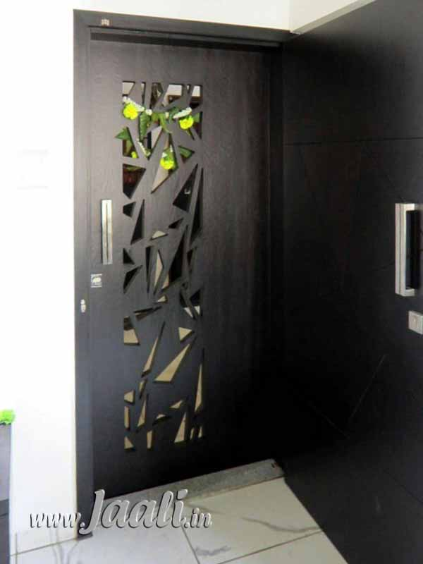 Office Entrance Wall Design